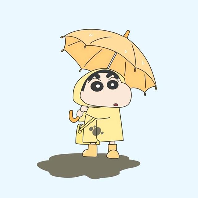穿雨衣撑雨伞的蜡笔小新头像图片