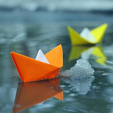 正如逆水行舟,无论怎样看风看水,目的只有一个——向前。