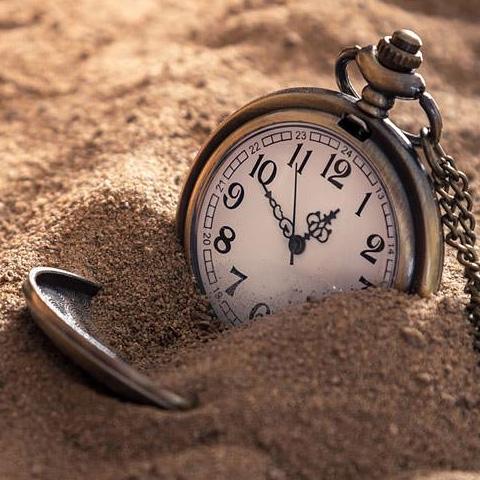 时间就是性命。无端的空耗别人的时间,其实是无异于谋财害命的。